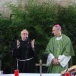Il Direttore del Centro ringrazia il Vescovo Mons.Matteo Zuppi a conclusione della S.Messa.